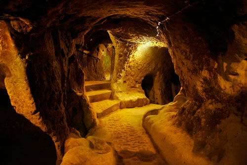 Turkey-Tours-Intriguing-Ancient-Underground-City-Derinkuyu-7